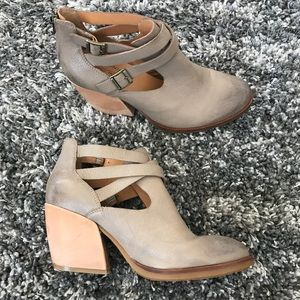 Kork-Ease Stina Booties in Taupe Size 9.5